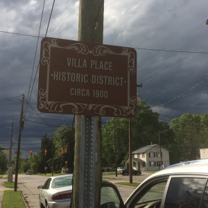 villa place historic sign